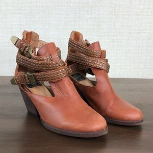 Vintage Jeffrey Campbell Watson ankle buckle boots